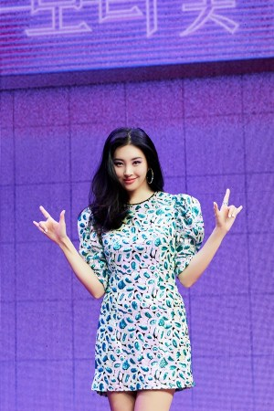 """Sunmi """"Hwasa·Chungha and simultaneously comeback? I focus on music rather than competition"""""""