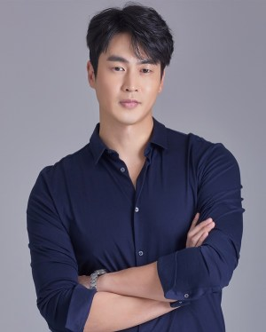 Kim San-ho appeared in the musical 'Blue Lane'