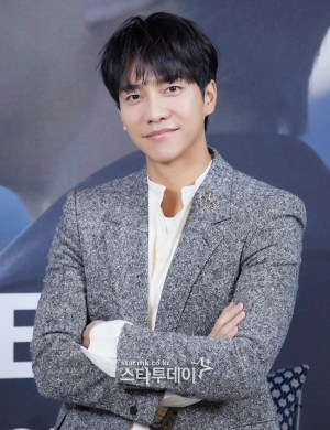 Lee Seung-gi, #1 star whose reputation was tarnished after the report of romantic relationship