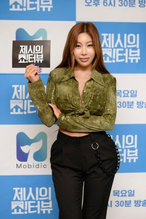 """'Showterview' Jessi """"Memorable guest is Malwang...I want to invite BTS"""""""