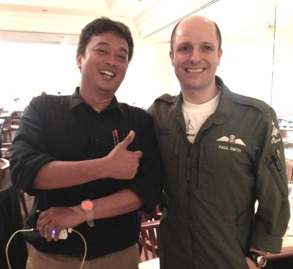 Bersama Paul Smith, test pilot Eurofighter