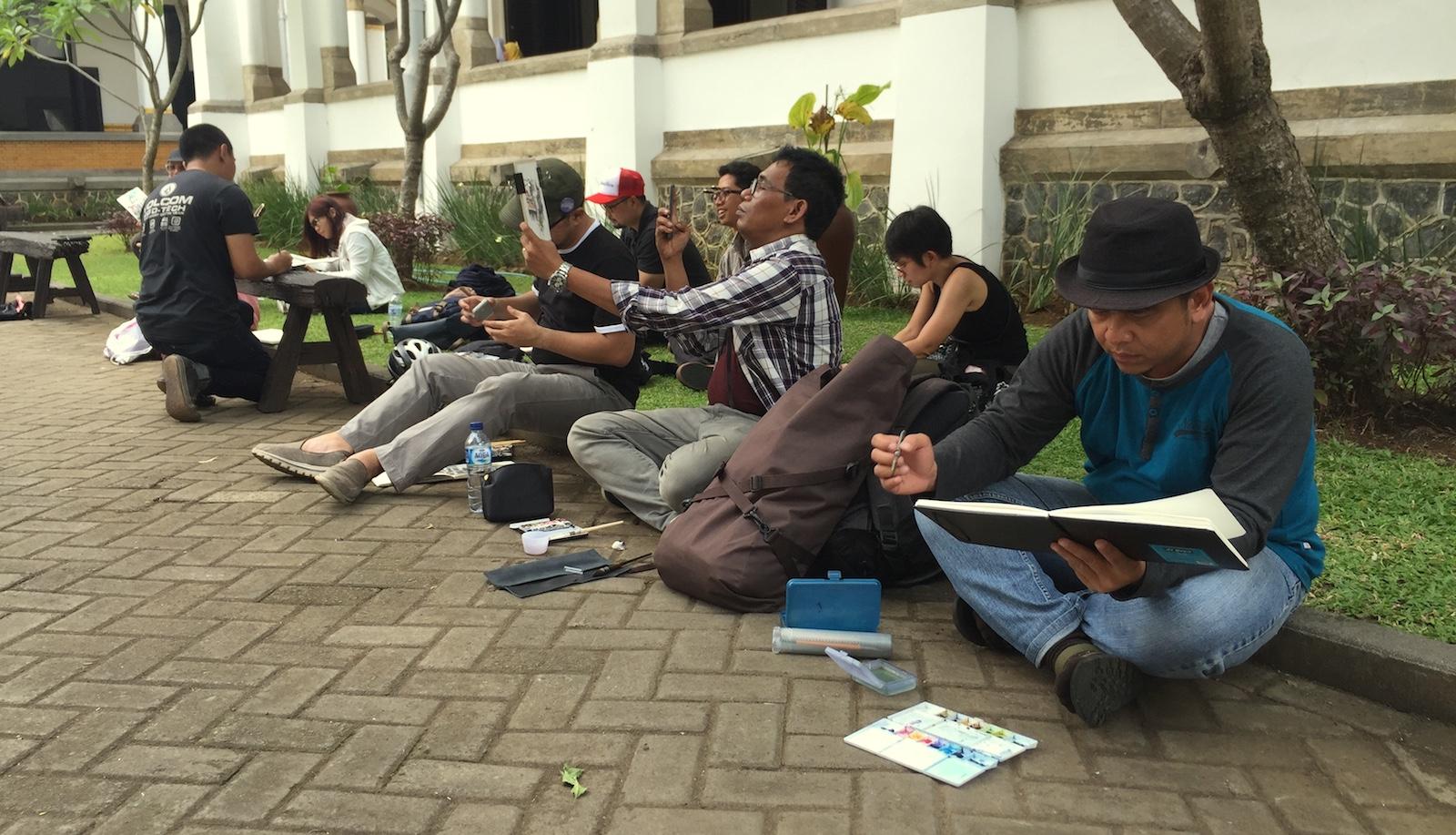 Seru dan Senangnya Ikutan International Semarang Sketchwalk