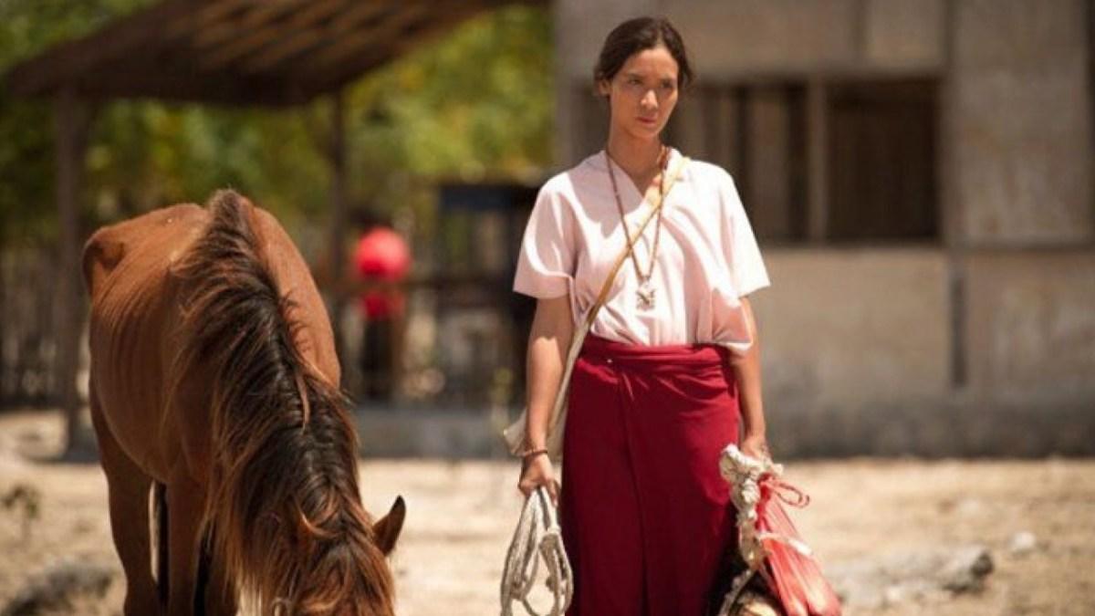 """Empat Alasan Untuk Nonton Film """"Marlina Si Pembunuh Dalam Empat Babak"""""""