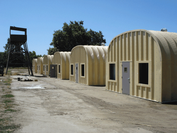http://www.steelmasterestructuras.com/wp-content/uploads/2009/01/steel-military-barracks-california.gif