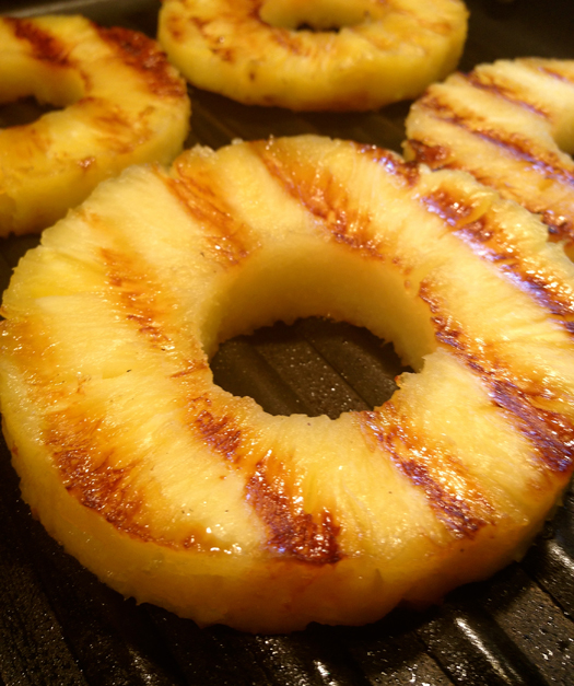 Grilled-pineapple