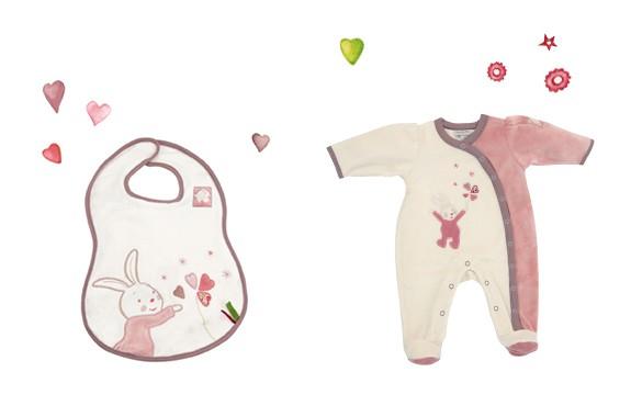 654275 Bavoir et 654271 Pyjama