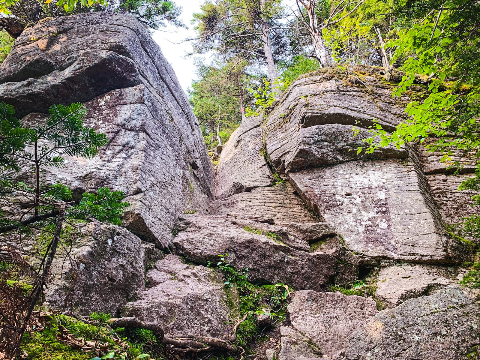 cornell crack rock formation