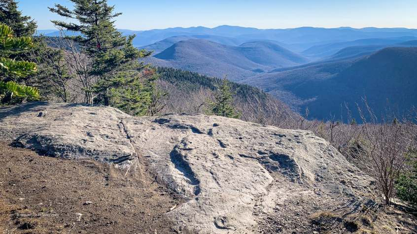 plateau rock ledge with scenic view