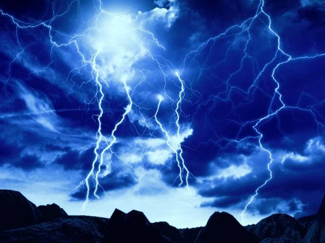 鍋割山で発生した落雷による死傷事故について検証【山岳事故】