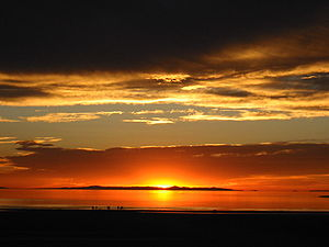 Sunset from the western shore of Antelope Isla...
