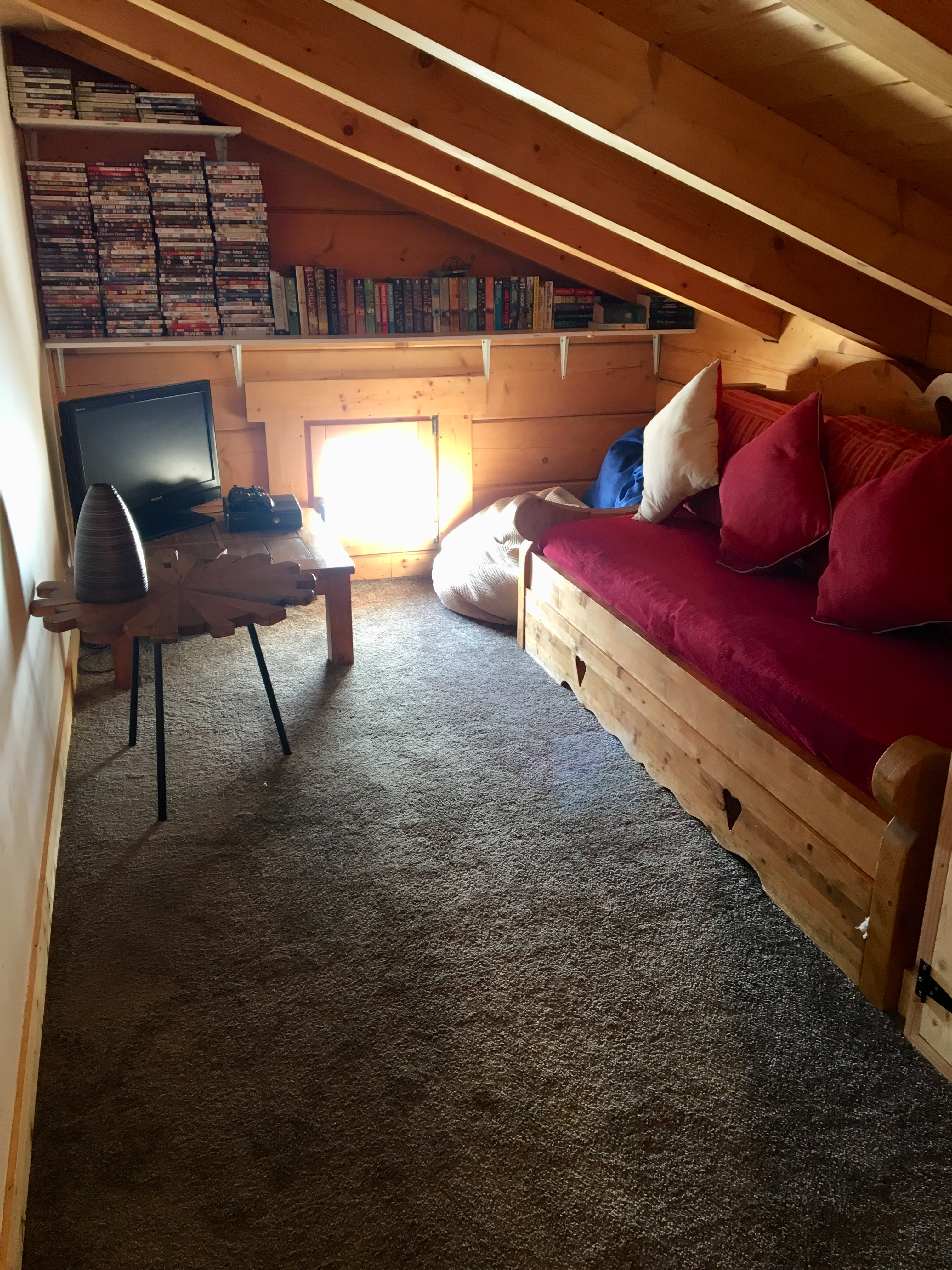 Snug - X-Box Room come 2nd TV/DVD Room