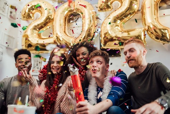 Happy New Year to 330,222,422 People in the United States.  World Population Expected at 7,621,018,958 on Jan. 1Happy New Year to 330,222,422 People in the United States.  World Population Expected at 7,621,018,958 on Jan. 1