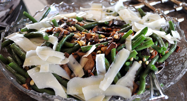 green-beans-saute-caramelized-onions-bacon