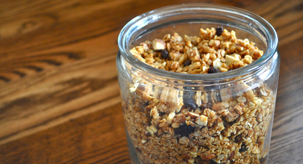 almond-cashew-granola-canister
