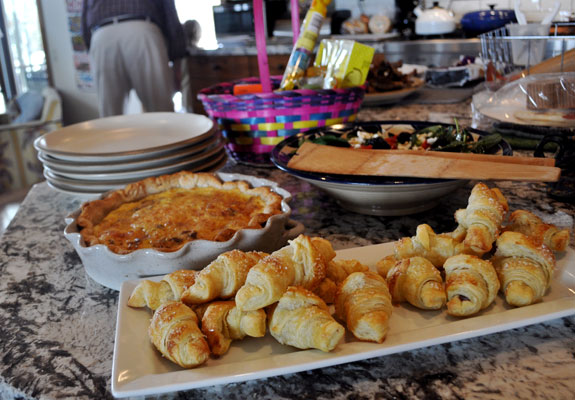 Easter-brunch-croissants