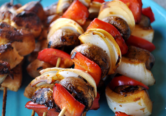 Quick-vegetable-chicken-kabobs
