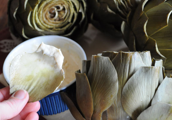 eating-steamed-artichokes-with-horseradish-aioli