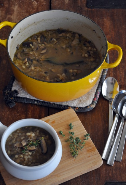 quick-french-onion-soup-recipe-with-mushrooms-and-barley-mountainmamacooks