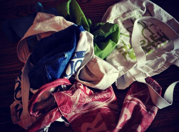 washing-reusable-grocery-bags-mountain-mama-cooks