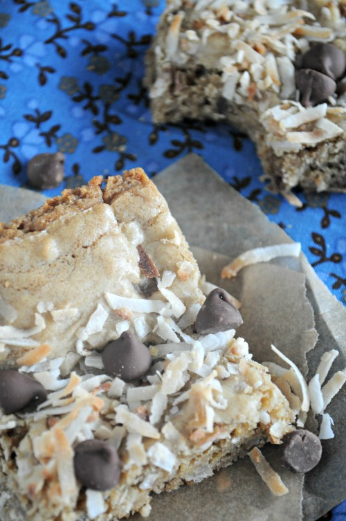 coconut-blondies-with-chocolate-chips-mountainmamacooks