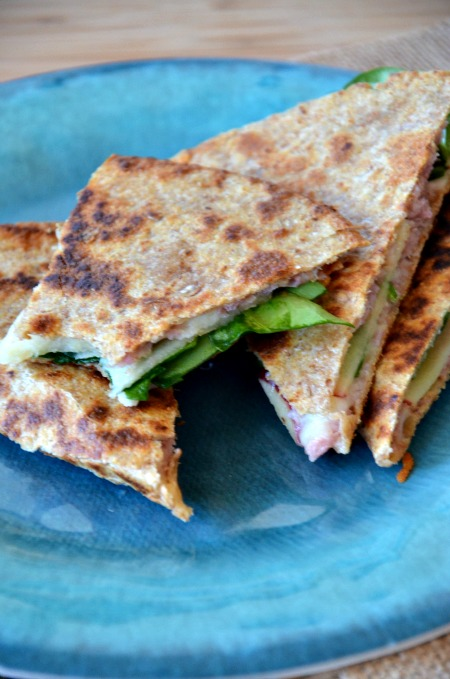 Quick Whole Grain Quesadilla with Ham, Apple & Swiss, www.mountainmamacooks.com