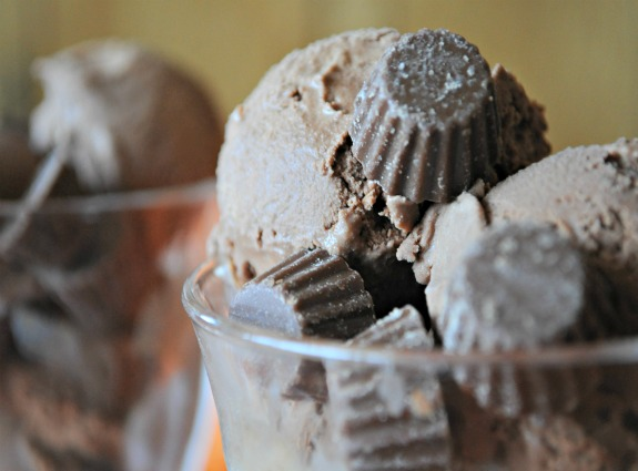 Chocolate-Reeses-Peanut-Butter-Cup-Ice-Cream-Recipe-Mountain-Mama-Cooks