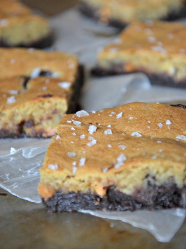 Triple Chip Crownies (Brownie + Cookie Bars), www.mountainmamacooks.com