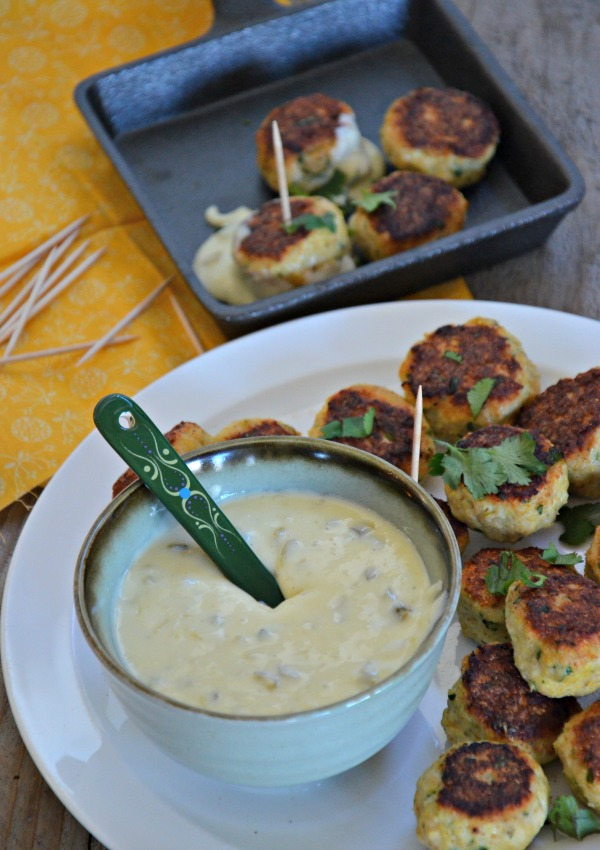 Chicken Taco Cocktail Meatballs with Queso Blanco | mountainmamacooks.com