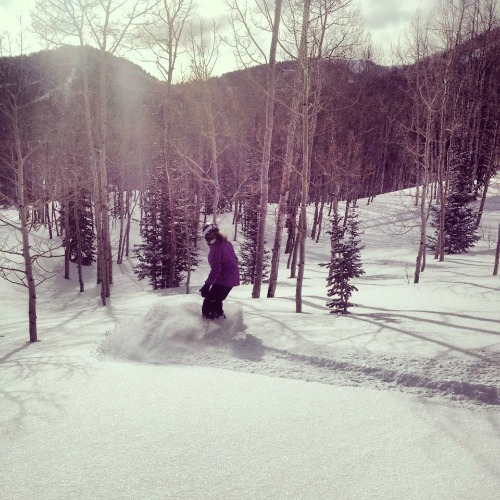 Snowboarding The Canyons   mountainmamacaooks.com #TheGoods
