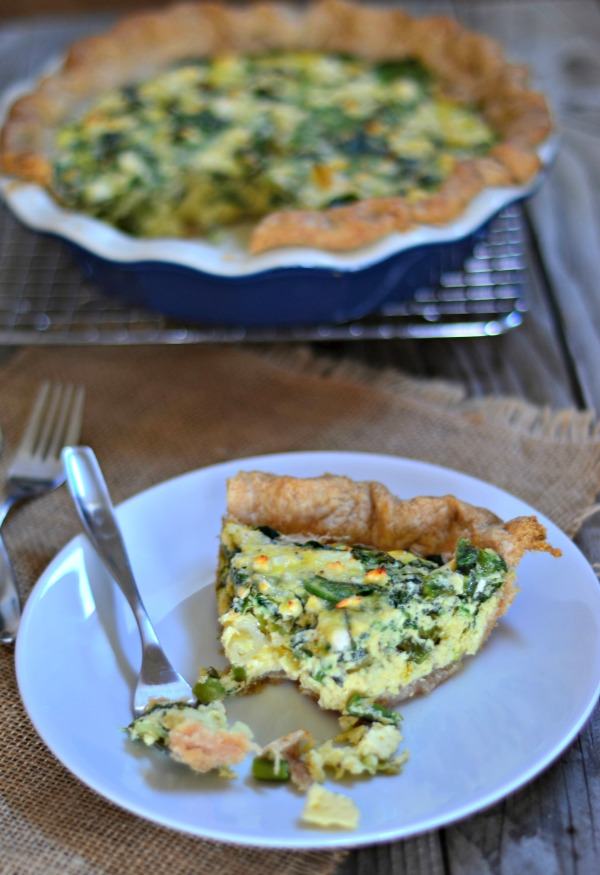Spring Greens Quiche + Spring Entertaining Giveaway | mountainmamacooks.com #vegetarian #giveaway