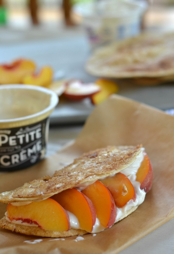 Peaches and Cream Breakfast Tacos | mountainmamacooks.com #TacoTuesday