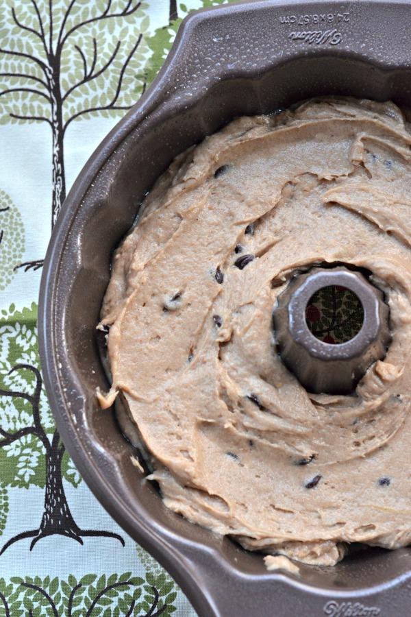 Apple Sauce Spiced Bundt Cake   mountainmamacooks.com