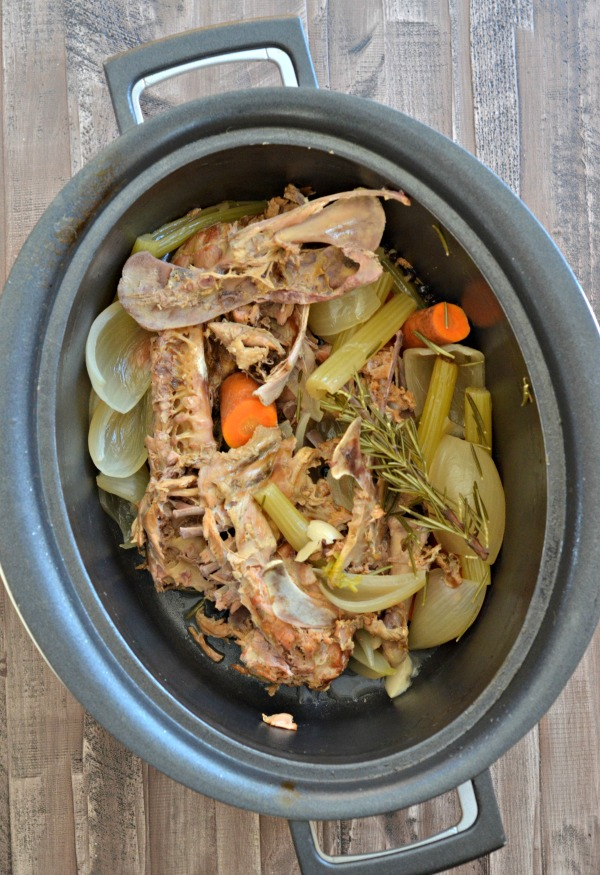 Slow Cooker Turkey Stock | mountainmamacooks.com