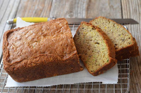 Banana Zucchini Bread | mountainmamacooks.com