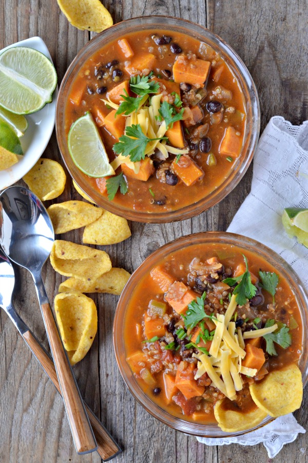 Sweet Potato and Black Bean Chili with Quinoa | mountainmamacooks.com