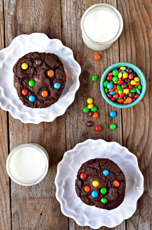 Double Chocolate M&M Cookies | mountainmamacooks.com