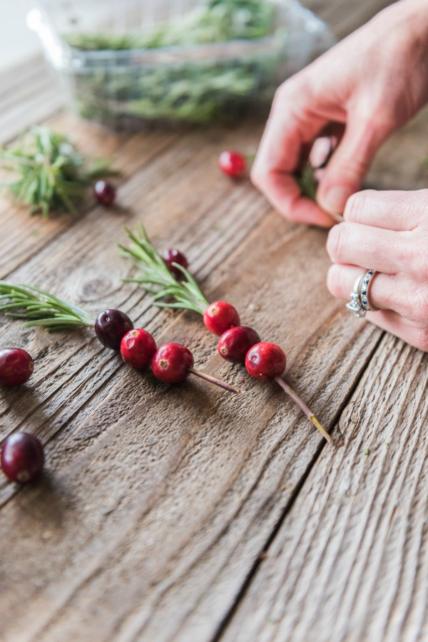 Cranberry Cinnamon Whiskey Cocktails   www.mountainmamacooks.com