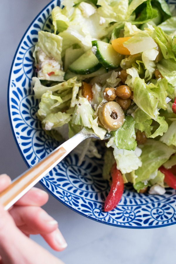 Greek Salad with Roasted Chickpeas   www.mountainmamacooks.com