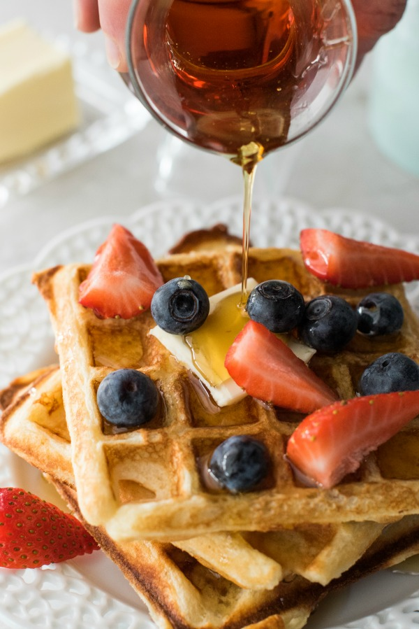 High Altitude Waffle Recipe | www.mountainmamacooks.com