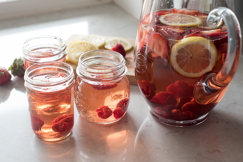Rose Sangria | www.mountainmamacooks.com