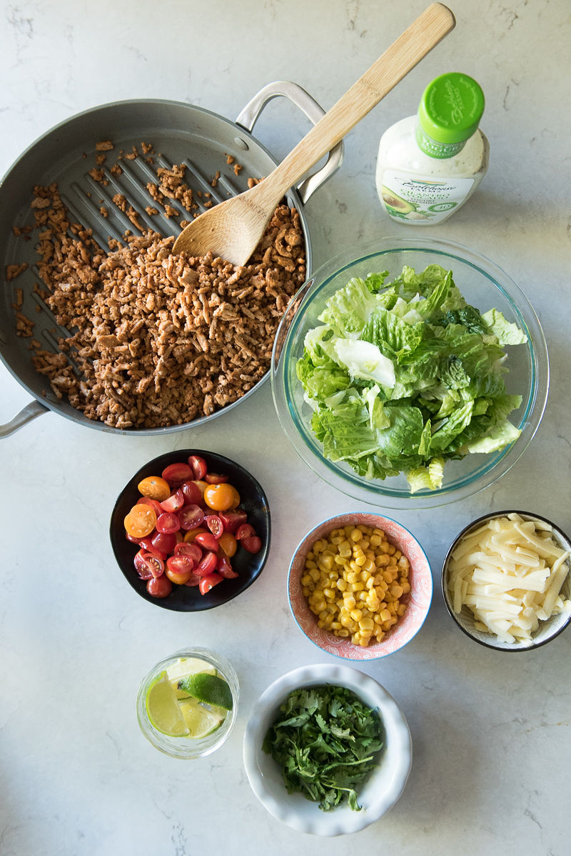 Mason Jar Turkey Taco Salad | www.mountainmamacooks.com