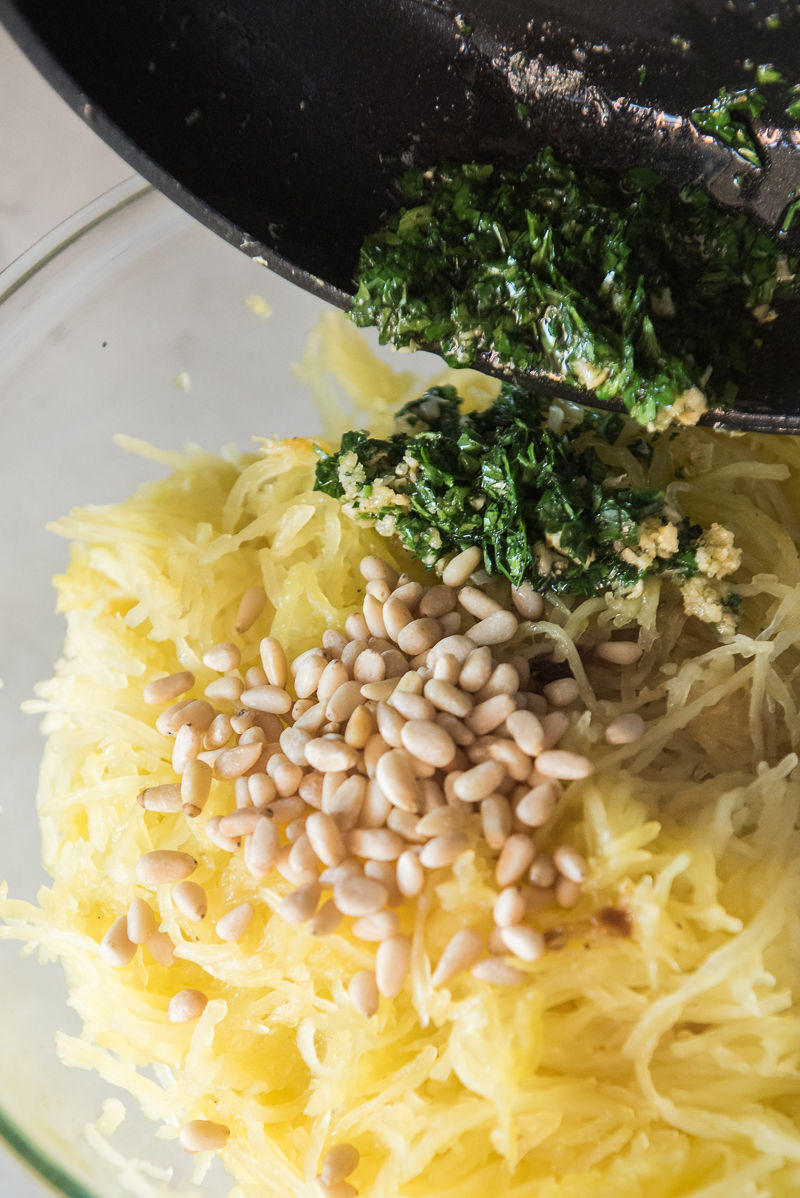 Spaghetti Squash with Garlic and Parmesan | www.mountainmamacooks.com