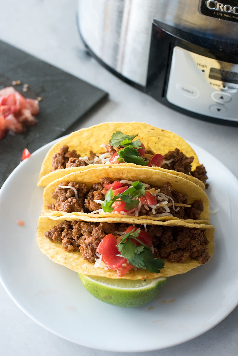Easy Slow Cooker Ground Beef Tacos | www.mountainmamacooks.com