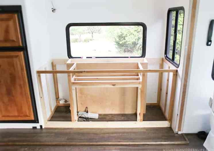 diy-custom-built-in-rv-media-cabinet-with-tv-lift-mountainmodernlife.com_