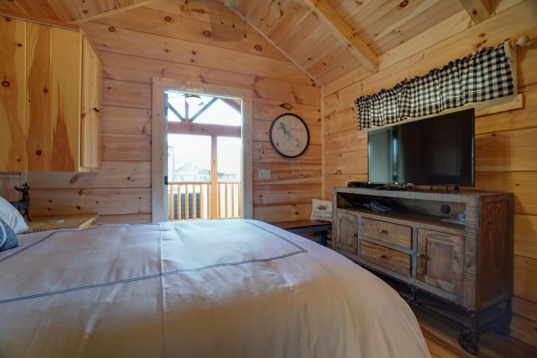 Top-Line 2BR bedroom view