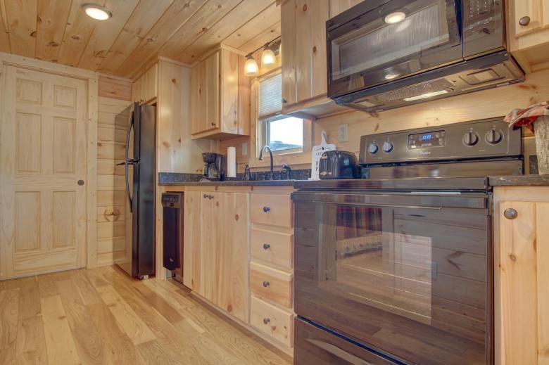 Top-Line 2BR kitchen2