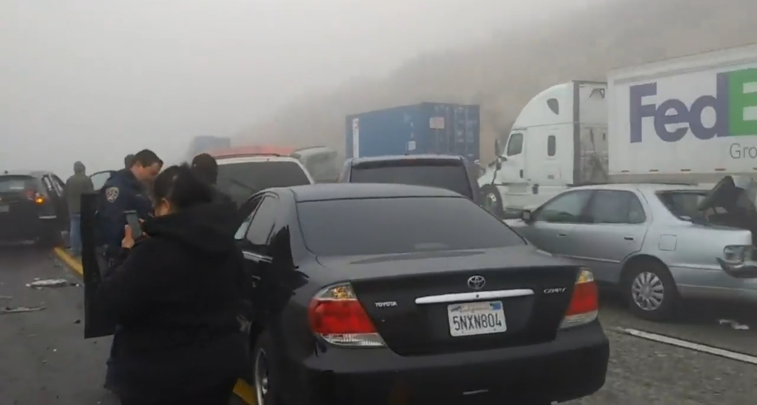 SB 15 Reopens in Cajon Pass After 19 Car Pile-up in Heavy Fog – Live