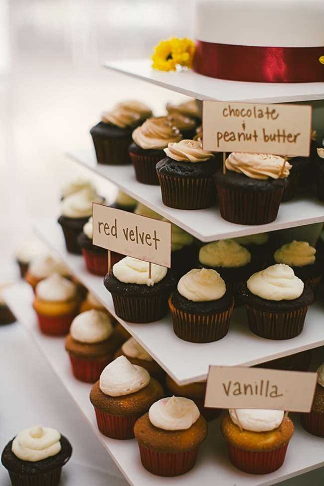 wedding cupcakes with labels