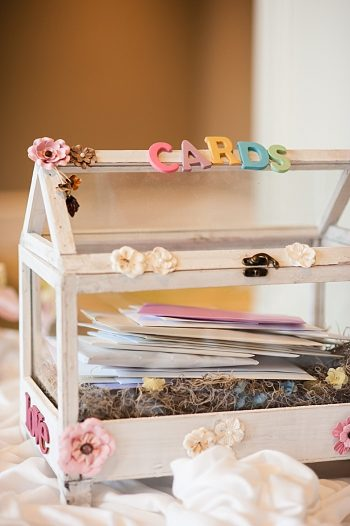 cute wedding card box | Photography by AMW Studios | see more on MountainsideBride.com