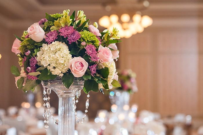 elegant pink and white centerpieces | Photography by AMW Studios | see more on MountainsideBride.com